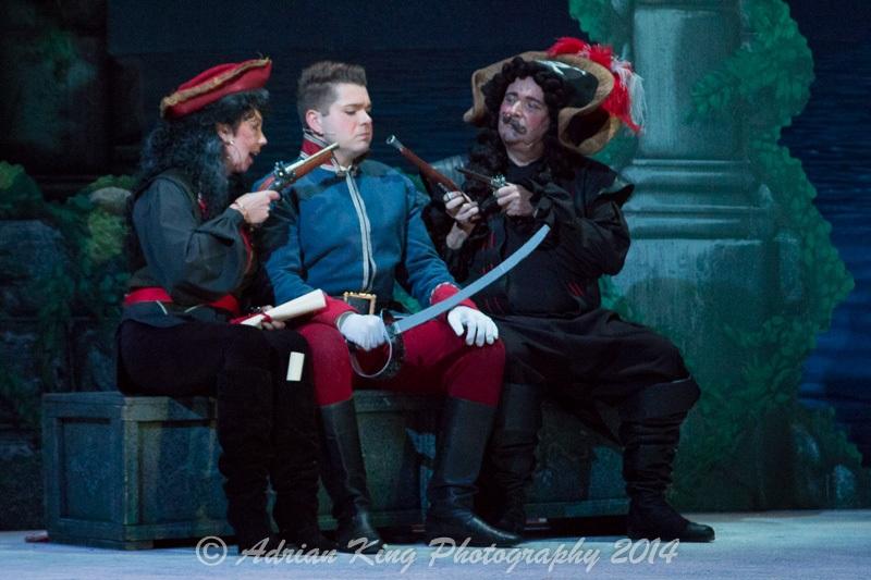 20141021_Pirates-Dress-Rehearsal_10175
