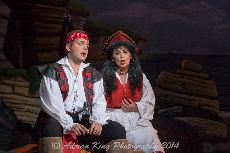 20141021_Pirates-Dress-Rehearsal_9701